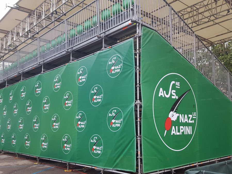 Adunata Nazionale Alpini - Asti Vista posteriore